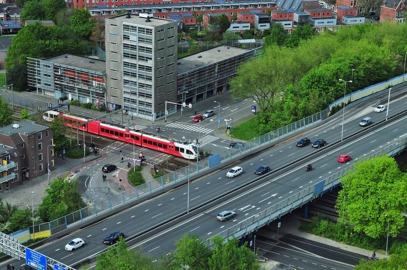city-crossing-crossroad-traffic-large