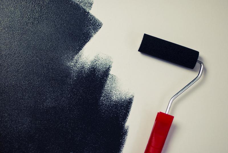 painting-black-paint-roller-medium-001
