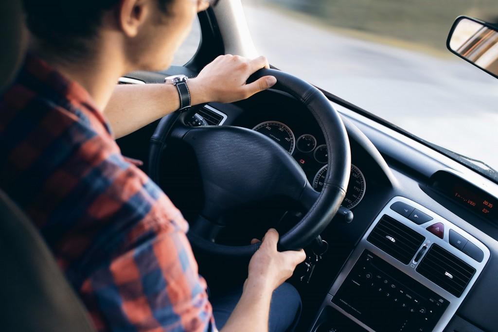 Podróż z Banina do Trójmiasta jest możliwa zarówno samochodem, jak i wygodnymi środkami transportu miejskiego