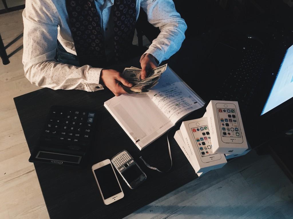 Zawód agenta jest nie tylko ciekawy, ale również opłacalny