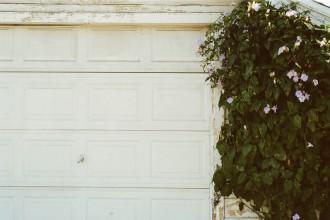 door-closed-garage